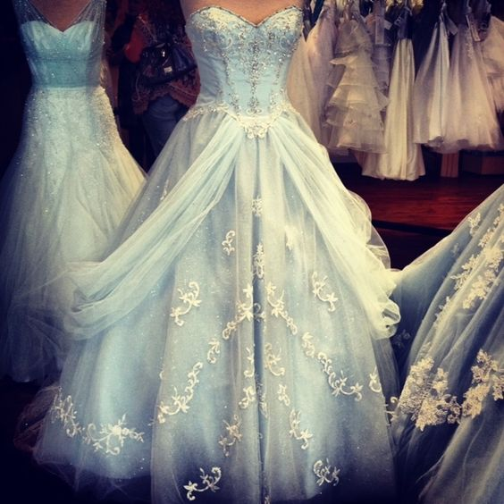 Disney Wedding Dresses 2019: 8 Theme Ideas For Your Quinceanera