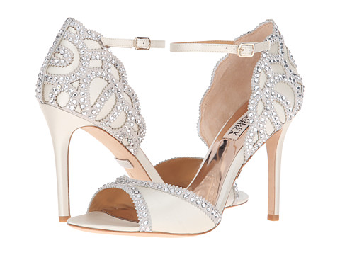 Quinceanera Shoes Changing Of The Shoes Ceremony Explained